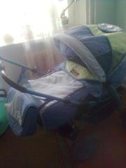 Детская  цветная коляска типа трасформер