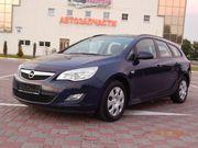 Opel Astra J Sport Tourer - 2011 г.в.