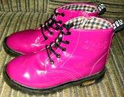 Красивые ботинки сапожки для девочки р-р 31-32.