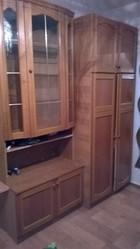 продам 2 шкафа от стенки и письменный стол для дачи